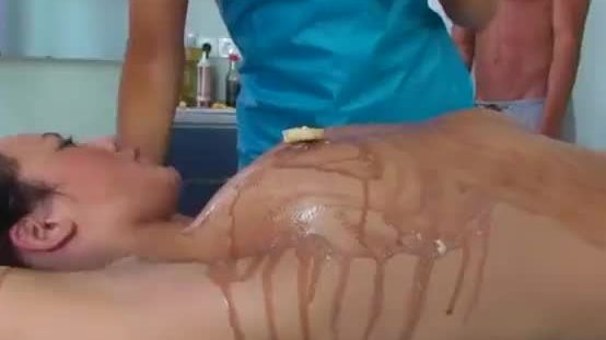 College cheerleader shaking ass on the table